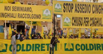 Protesta di agricoltori e allevatori a Montecitorio per emergenza cinghiali