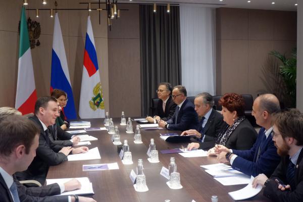 Ministro Bellanova a Mosca incontra con ministro Patrushev