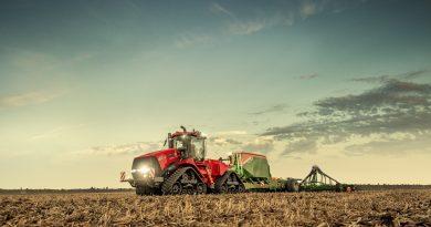 I nuovi trattori Case IH della serie Quadtrac e Steiger AFS Connec